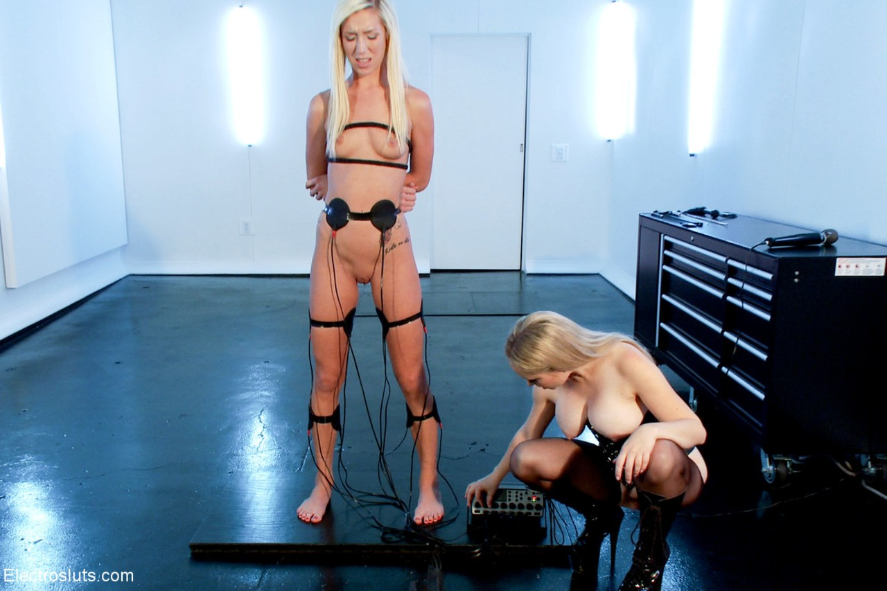 Blonde females Aiden Starr & Maia Davis break out EMS pads during lezdom play
