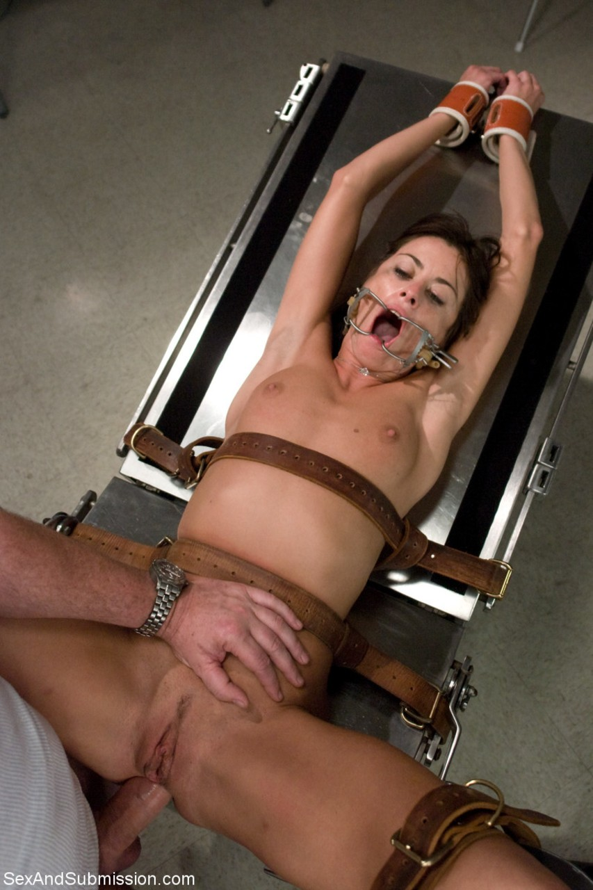 Little whore bondage anal and facial