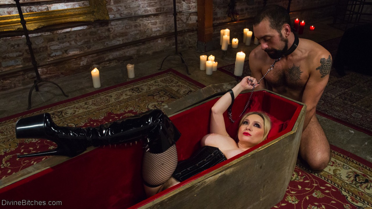 Hot blond chick Aiden Starr does wicked things to a male sub including fisting