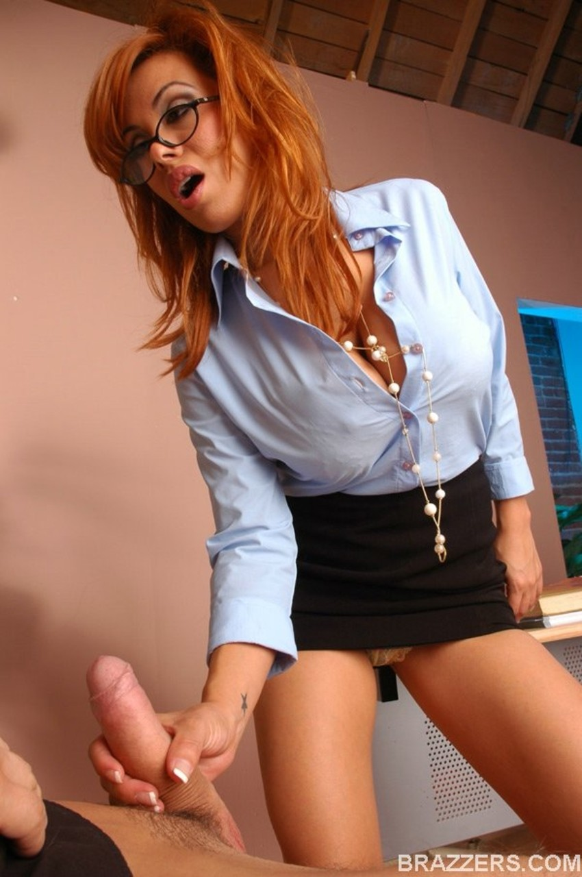 Big boobed business woman Sienna West bangs her new personal assistant