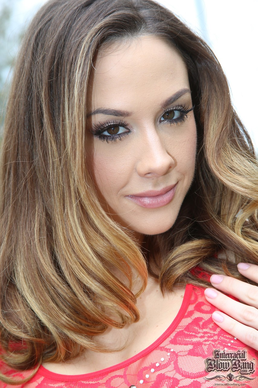 Stunning Chanel Preston kneels down to blow off BBCs in a bukakke session