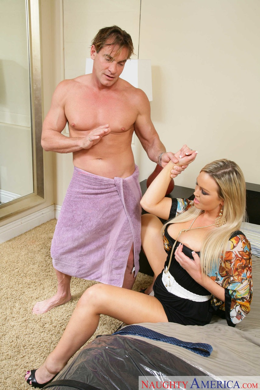 Abbey Brooks Fuck blonde milf abbey brooks seduces a married man for sex in a