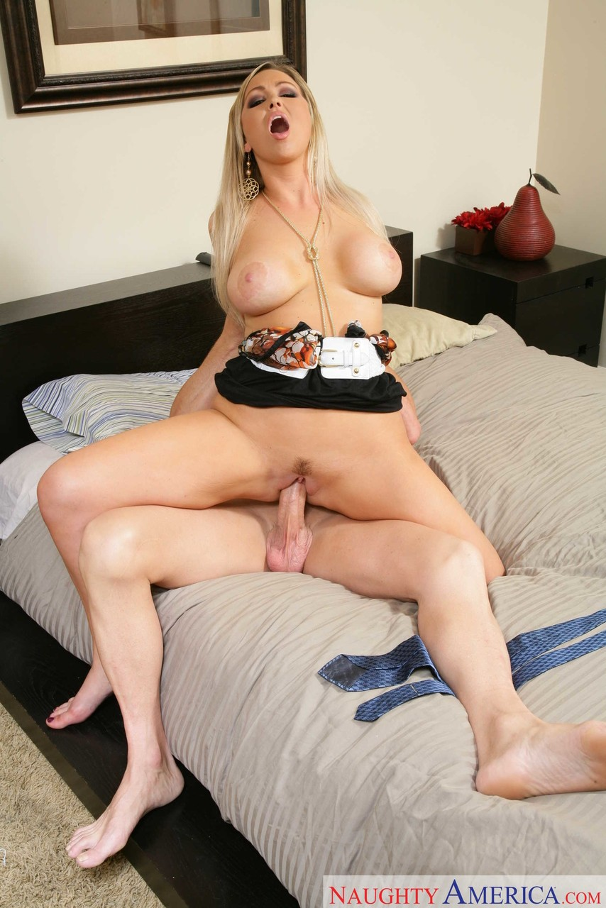 Abbey Brooks Fuck blonde milf abbey brooks seduces a married man for sex in