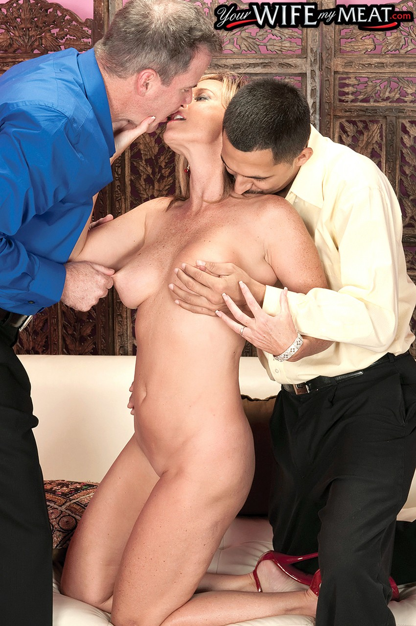 Amateur Threesome Husband Wife