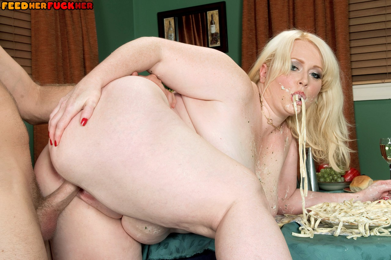 Chubby shemale porn pics