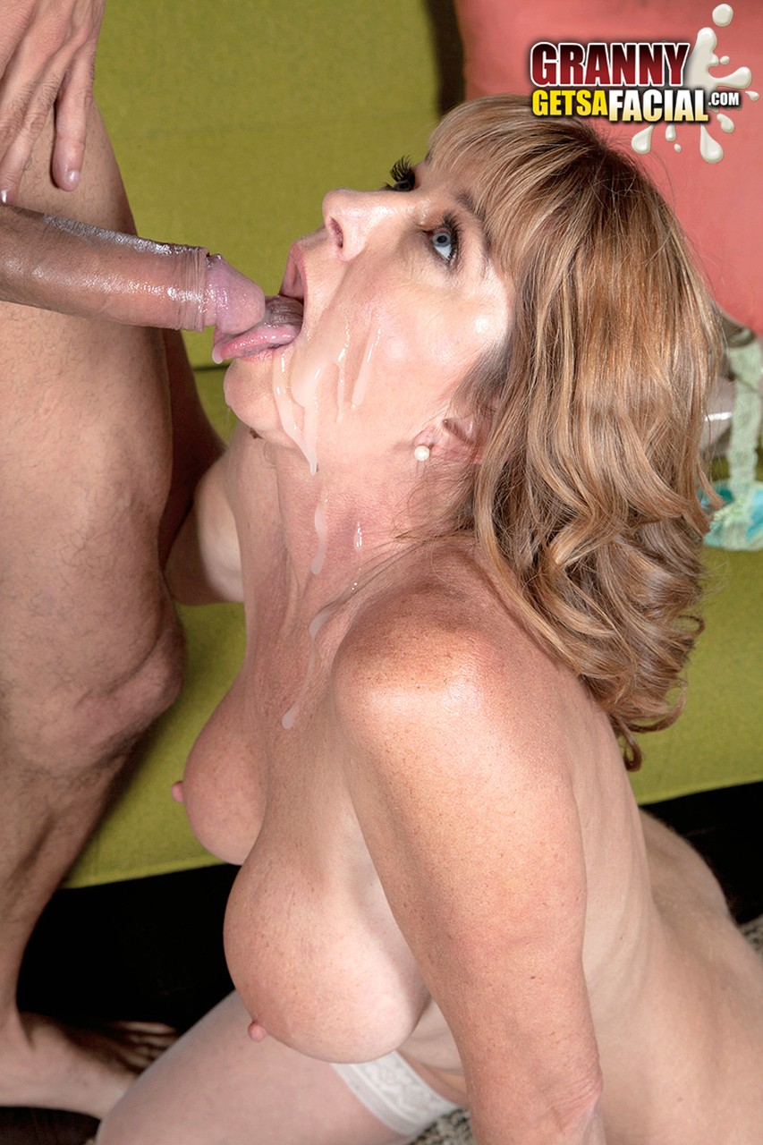 Busty Milf Loves To Give Sloppy Heads