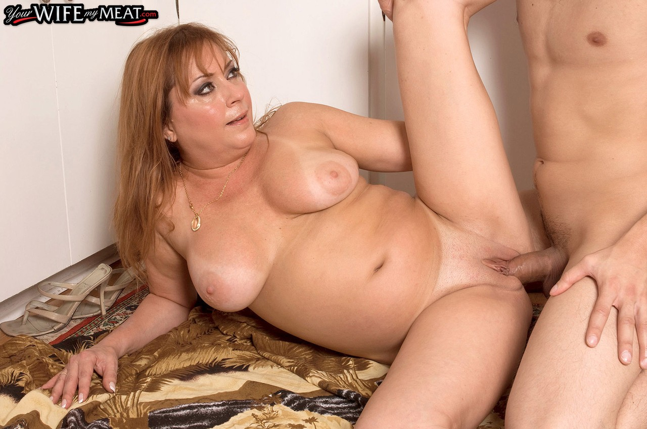 Mature Shaved Pussy Fuck