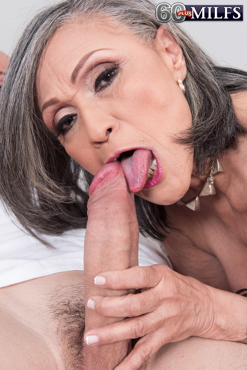 Mature woman seizes every opportunity to be fucked by young stallion