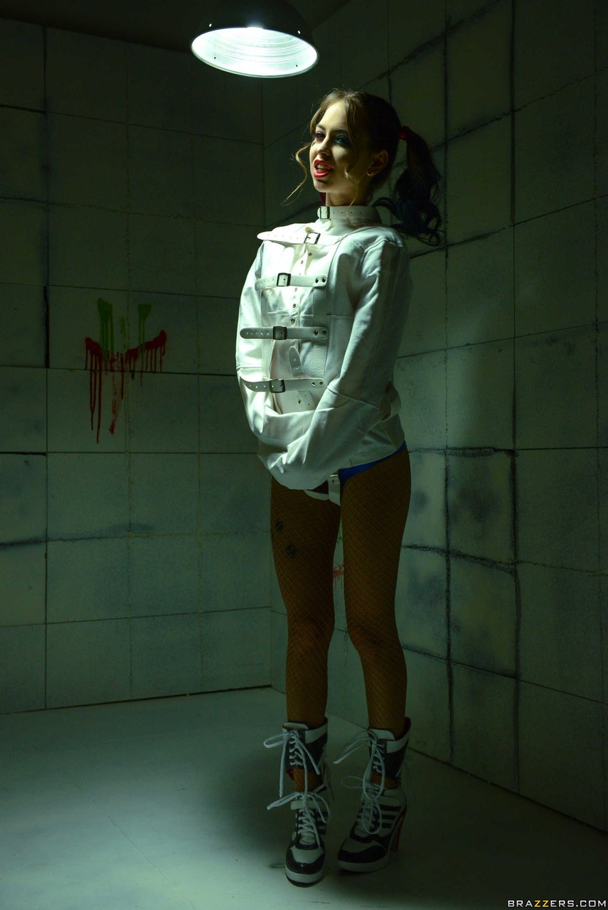 Riley Reid is Harley Quinn that gets fucked hard while in an asylum