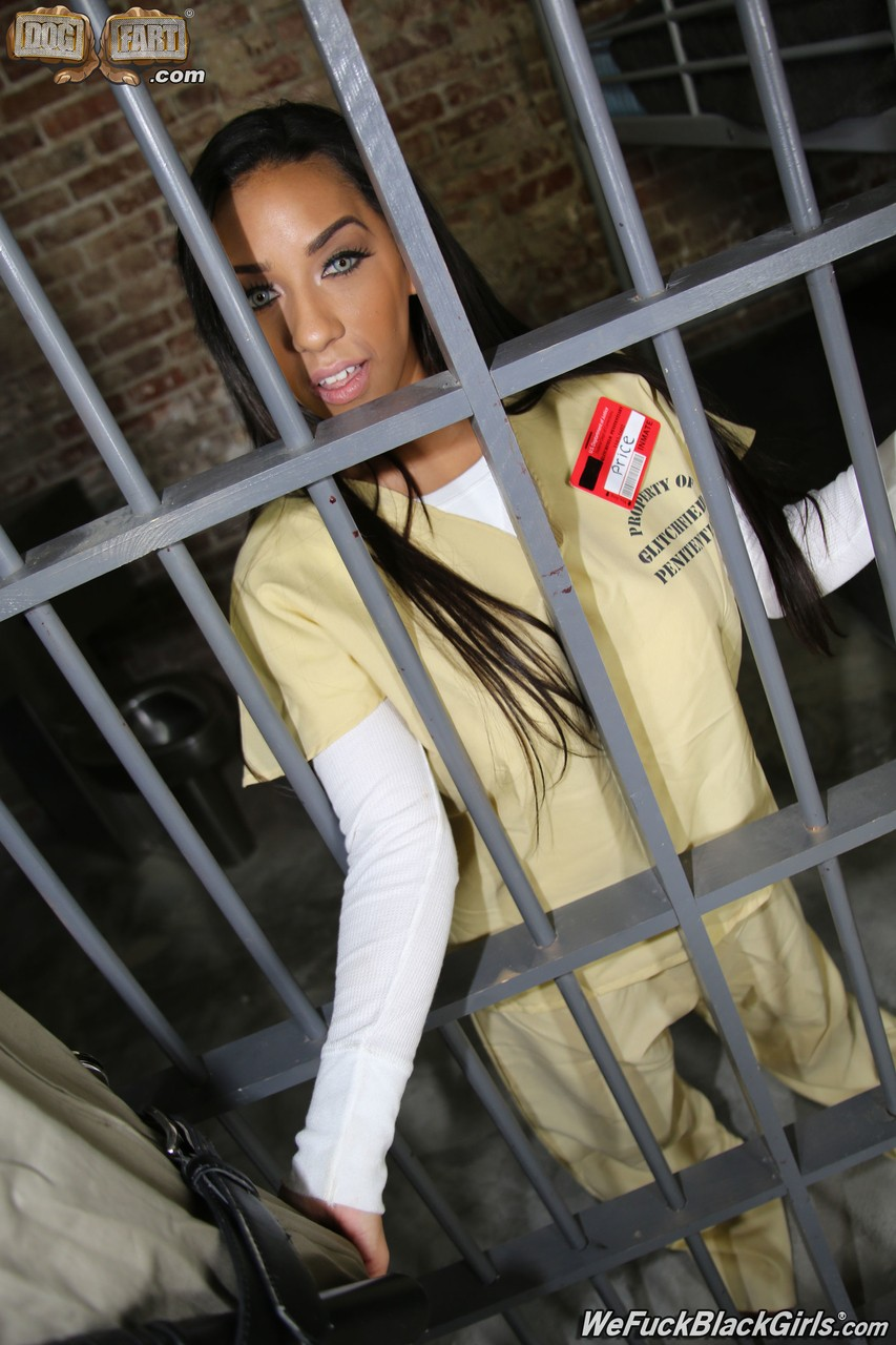 Most beautiful prisoner ever Priya Price enjoys threesome with guys in jail