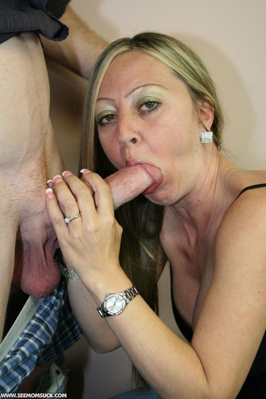 My mom keeps sucking my cock, younger pussy tubes