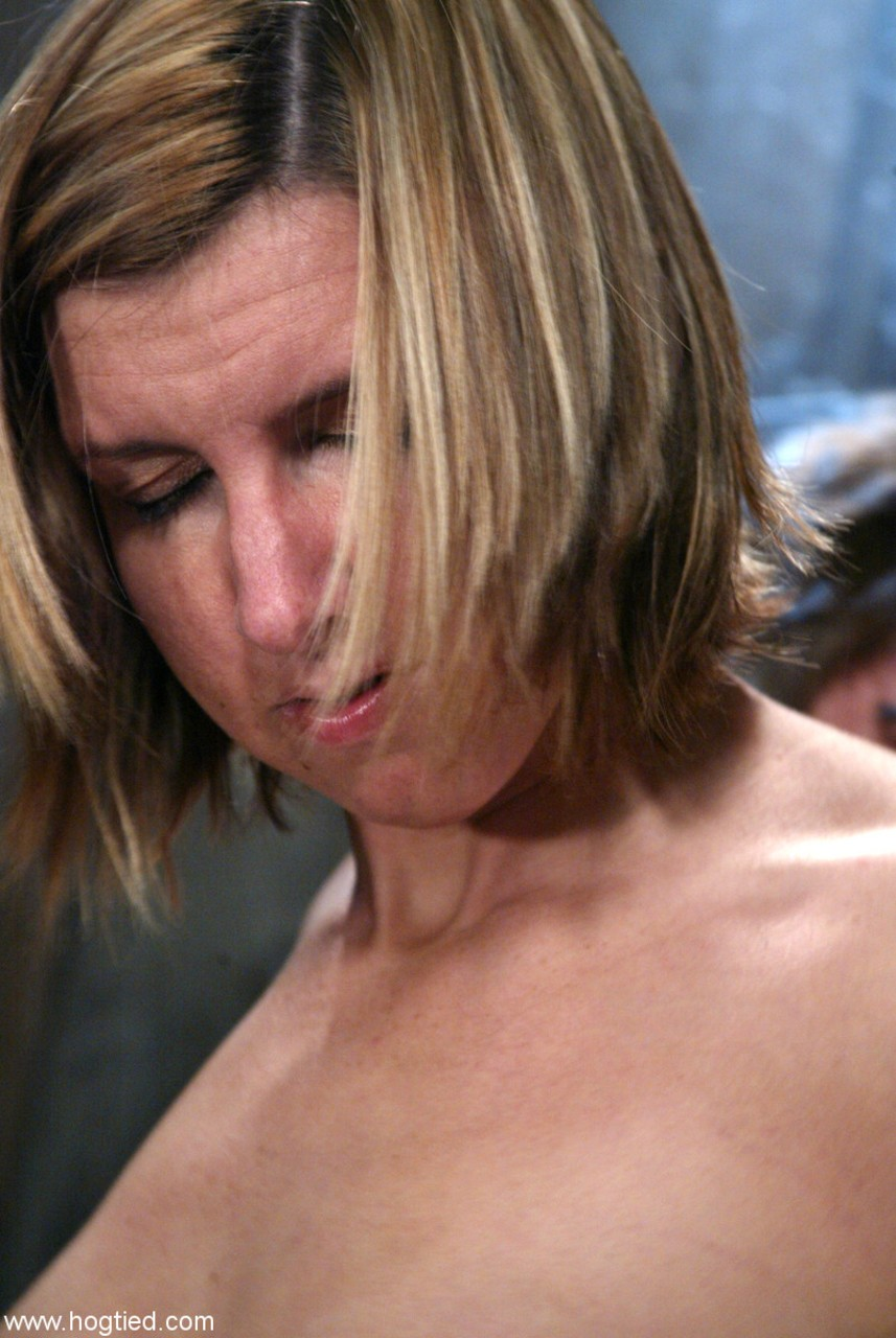 Pictures of hot lesbian milf