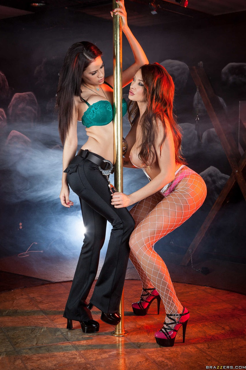 Officer Vanessa Veracruz and busty stripper Summer Brielle go crazy by pole