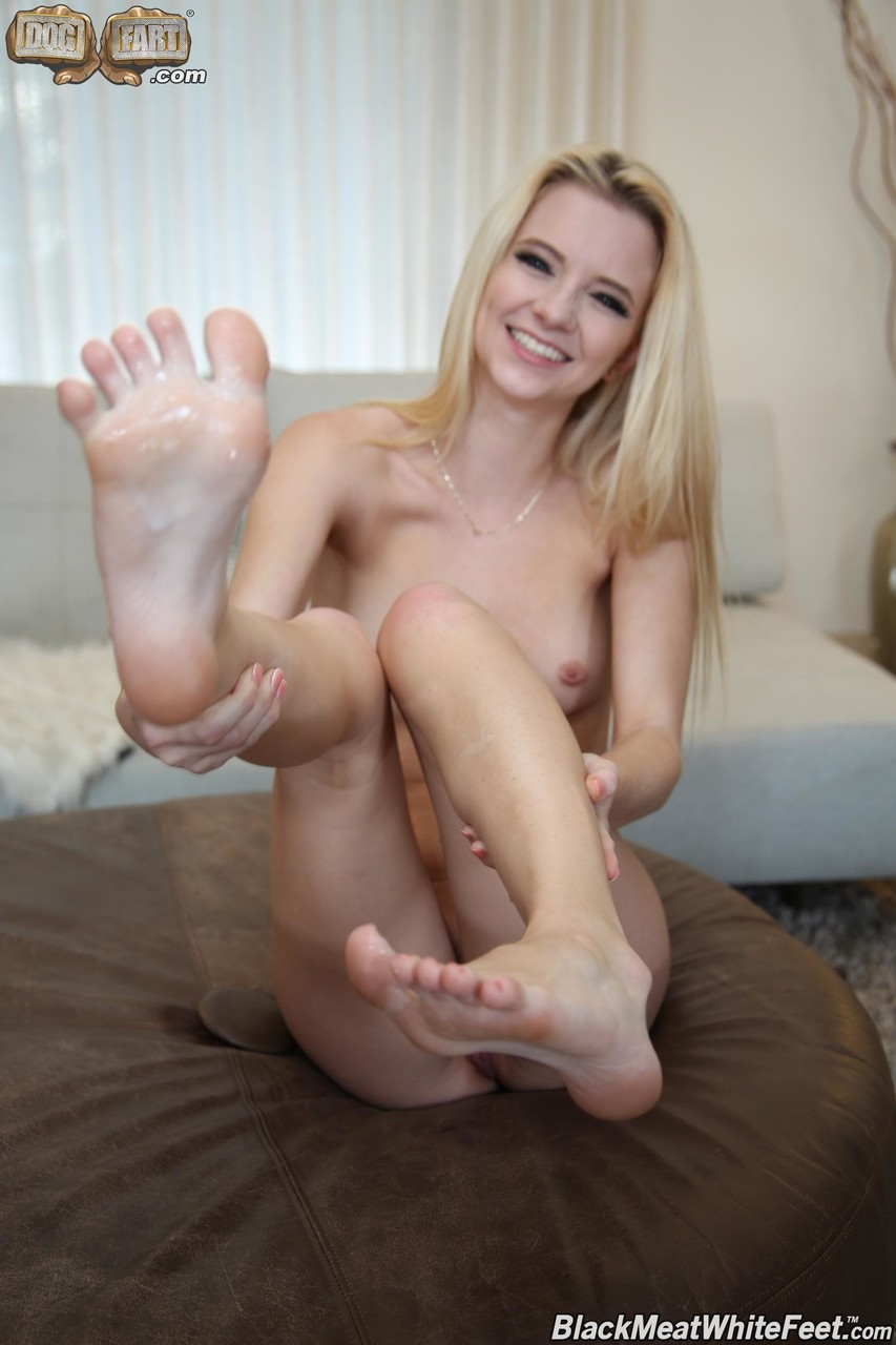 Teen Webcam Feet Masturbation