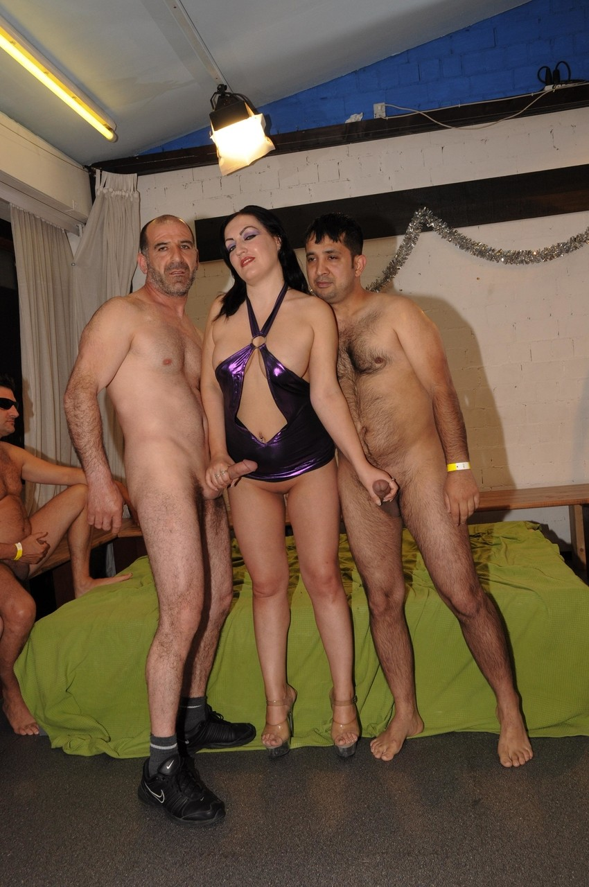 Wife Glory Hole Gangbang