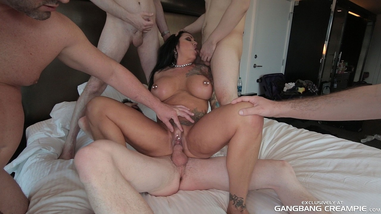Homemade Mature Wife Gangbang