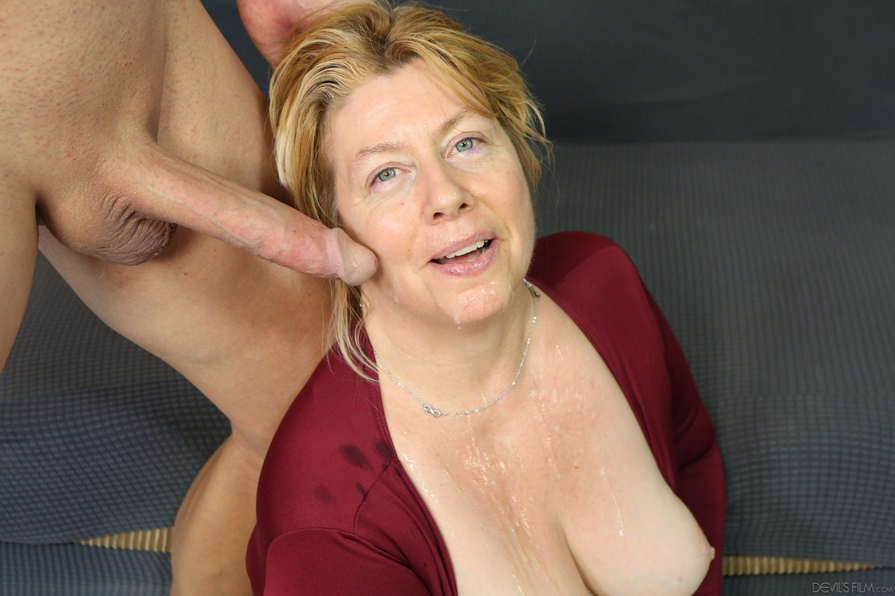 Mature Face Sitting Xxx And Mom Porn Pics