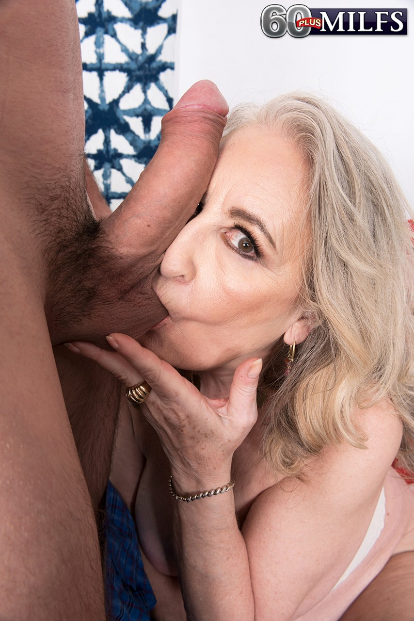 Blonde granny Blair Angeles gets her slit slammed by a younger tennis player
