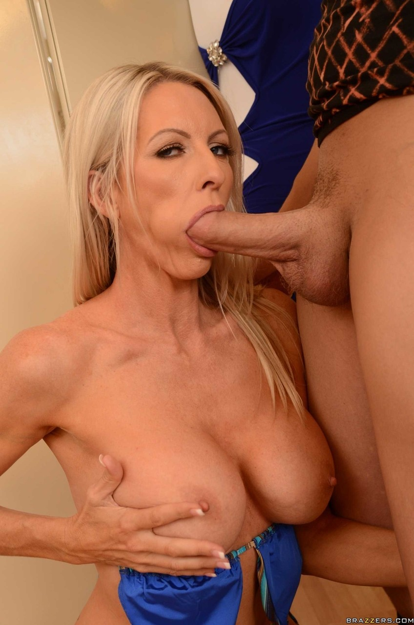 Attractive MILF Emma Starr showing tits before sucking and riding fat prick