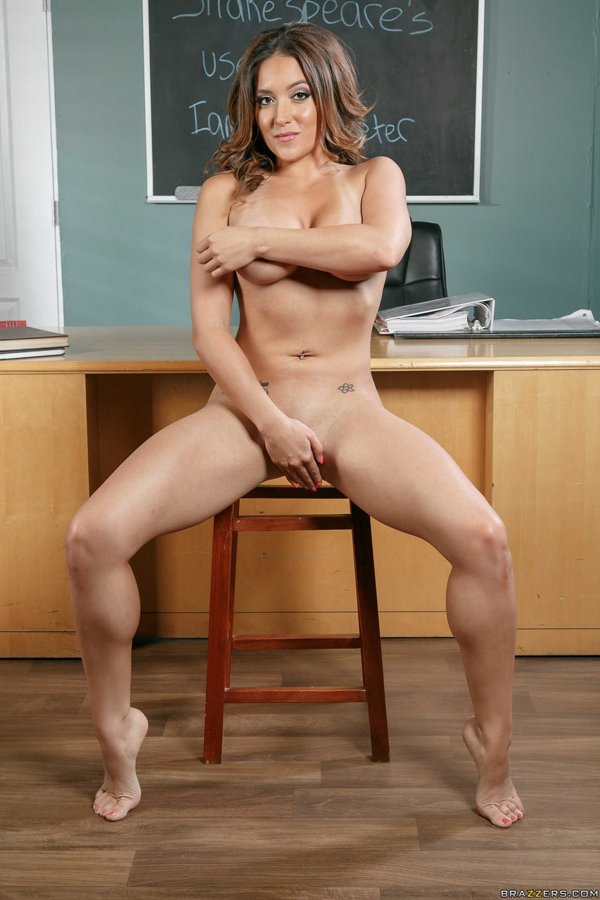 Sexy babe Jean Michaels showing her ass and tits in the classroom