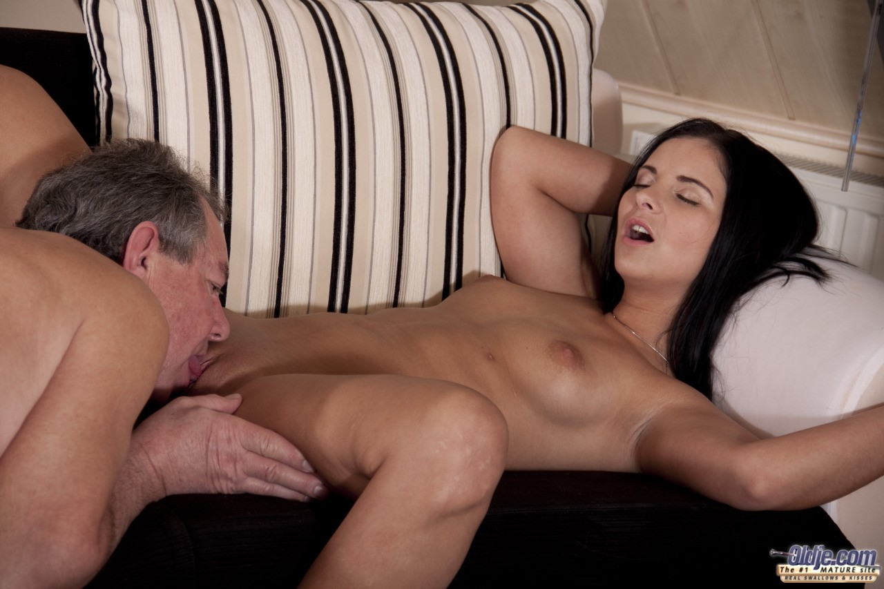 Old Man Eating Teen Pussy