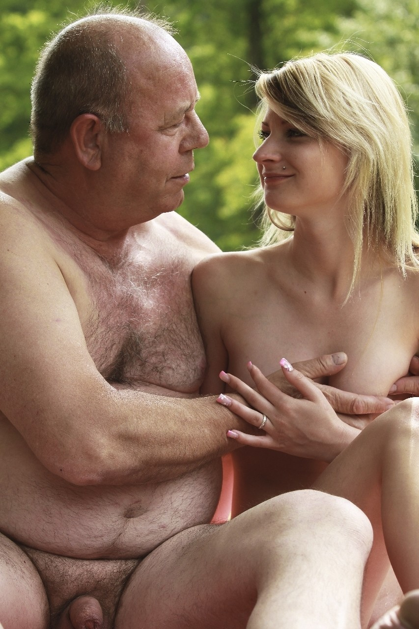 Naked girl kissing old man, fuck a blond pussy