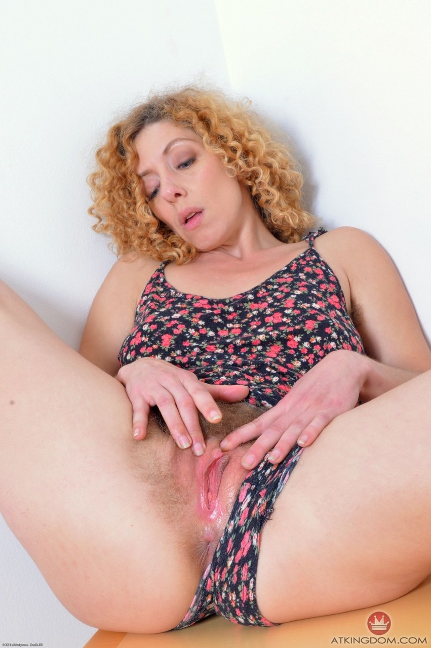 curly hair blonde mature big pussy lips