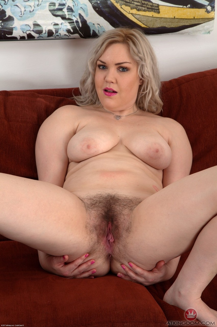 Huge Tits Blonde Hairy Pussy
