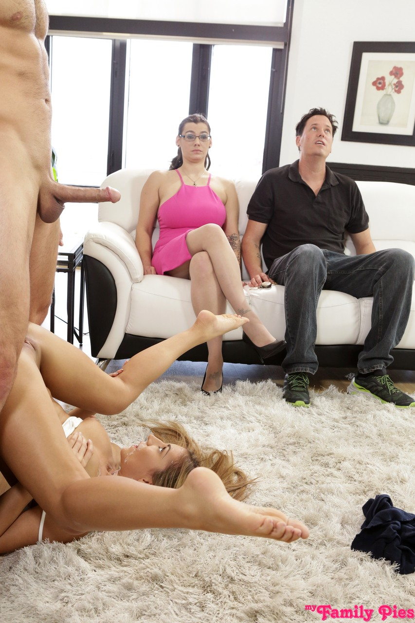 Stepbrother and daughter duo fuck in front of their respective parents