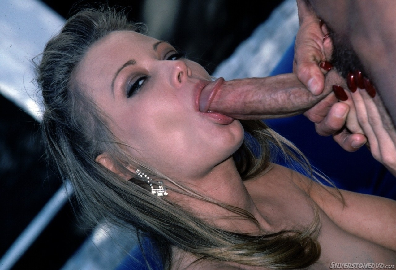 Sexy bitches eating out pussy hardcore
