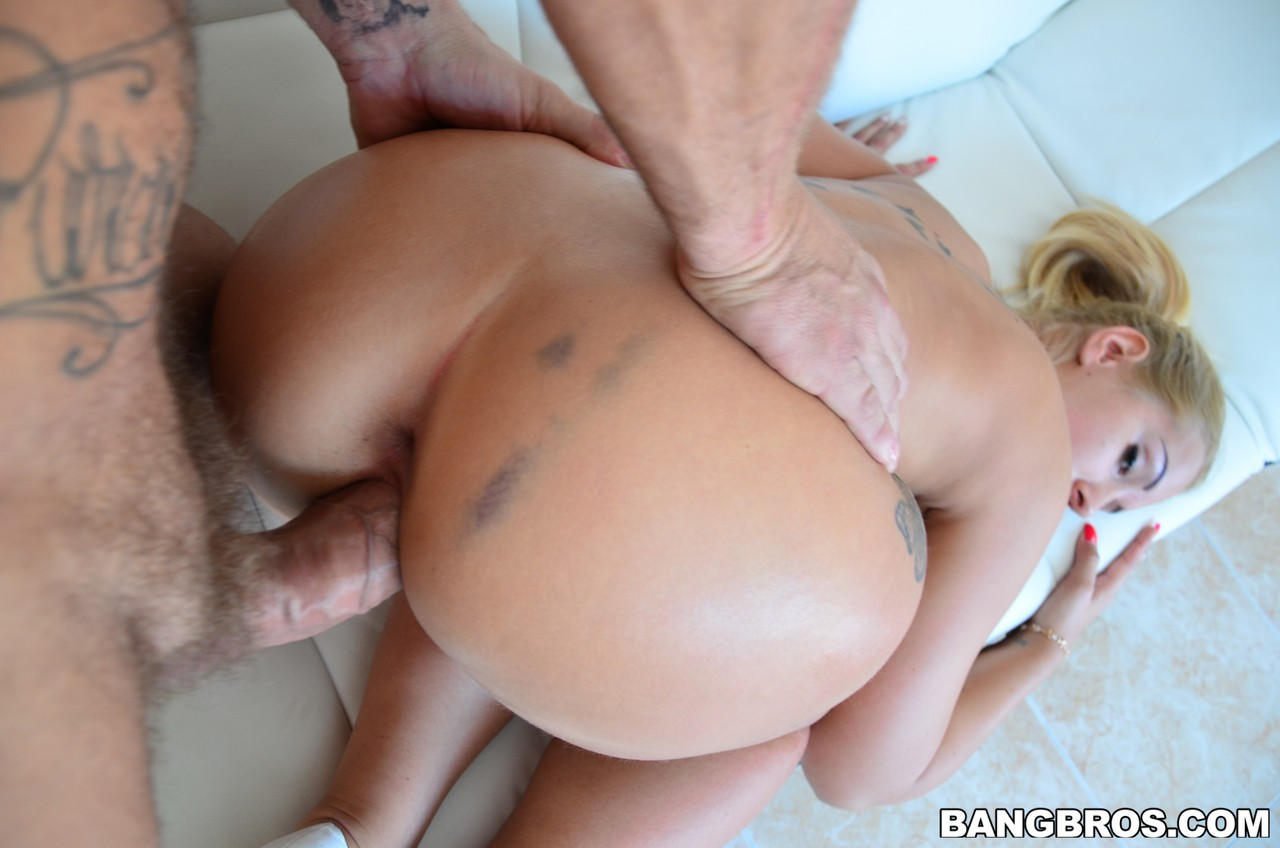 Blonde Hungarian hottie with big tits gets her pussy banged hardcore