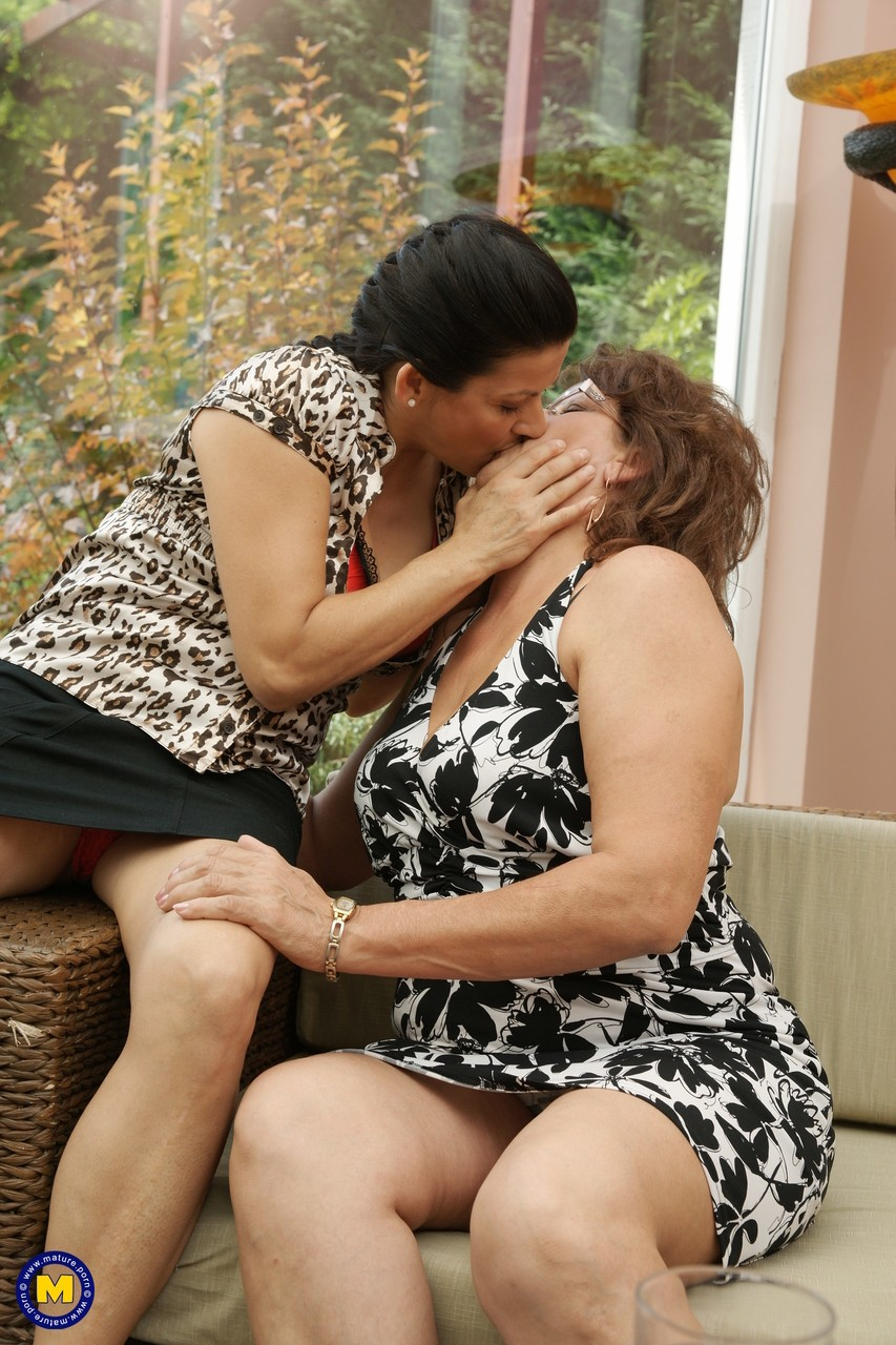 Lesbians making out threesome