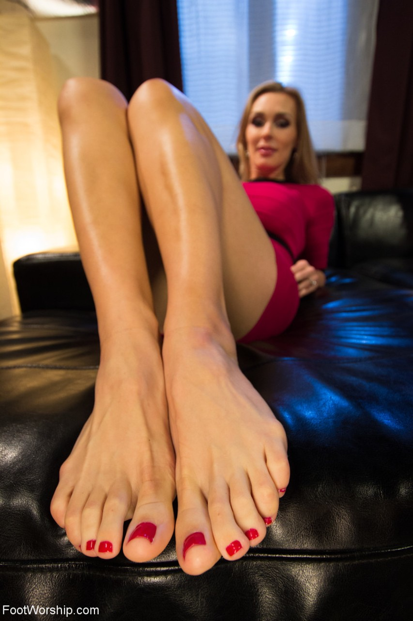 amateur-sexy-foot-chicks