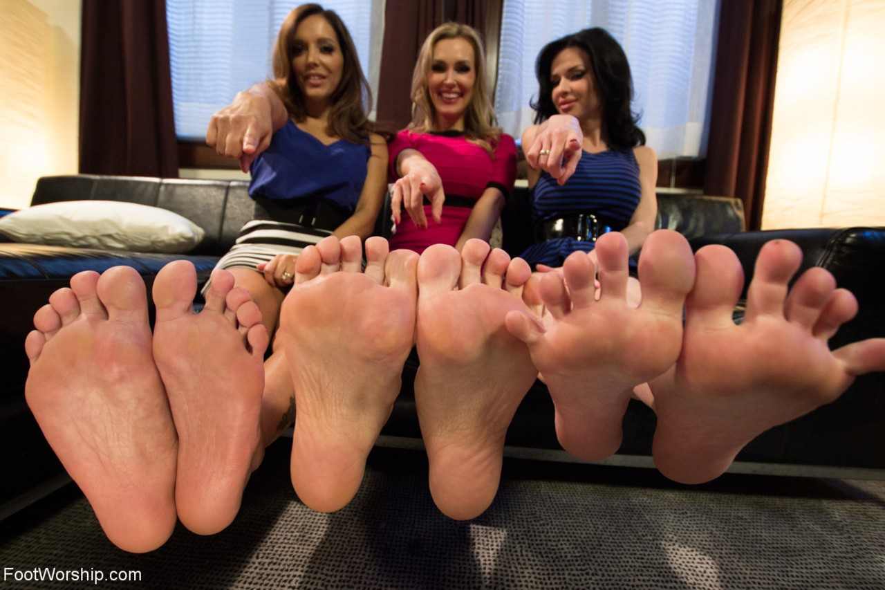 3 clothed chicks show off their long legs but more importantly their sexy feet