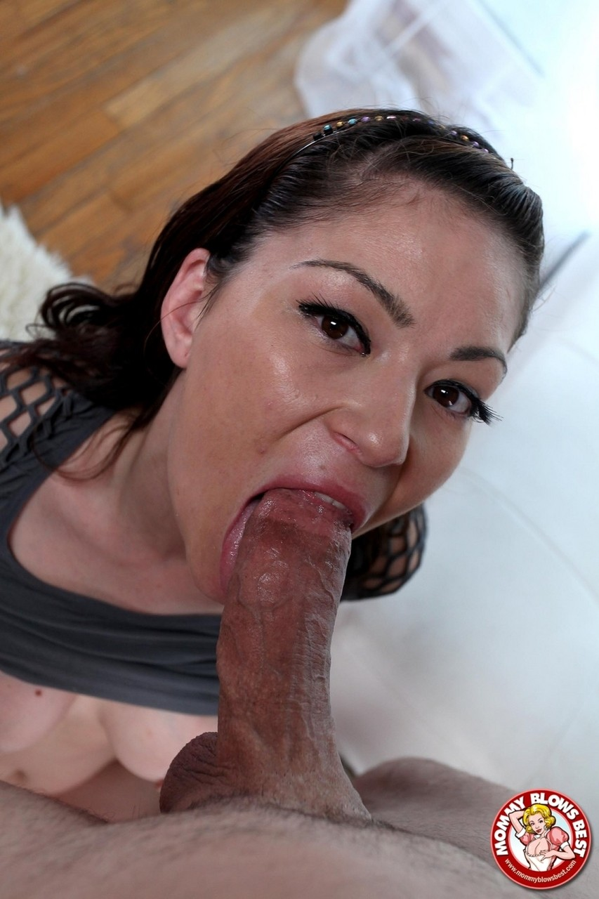 Brunette cougar Anjelica Blew swallows jizz after a POV blowjob