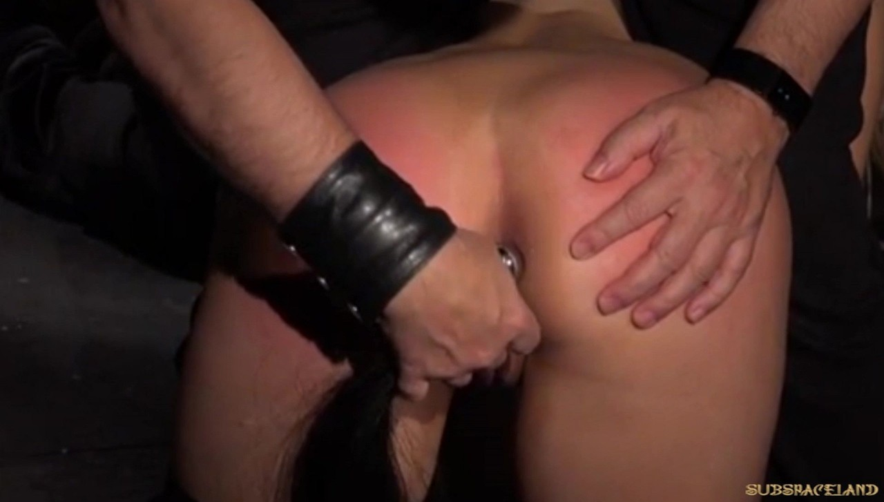 Strange man drives slave Alana Moon through nasty corporal punishment