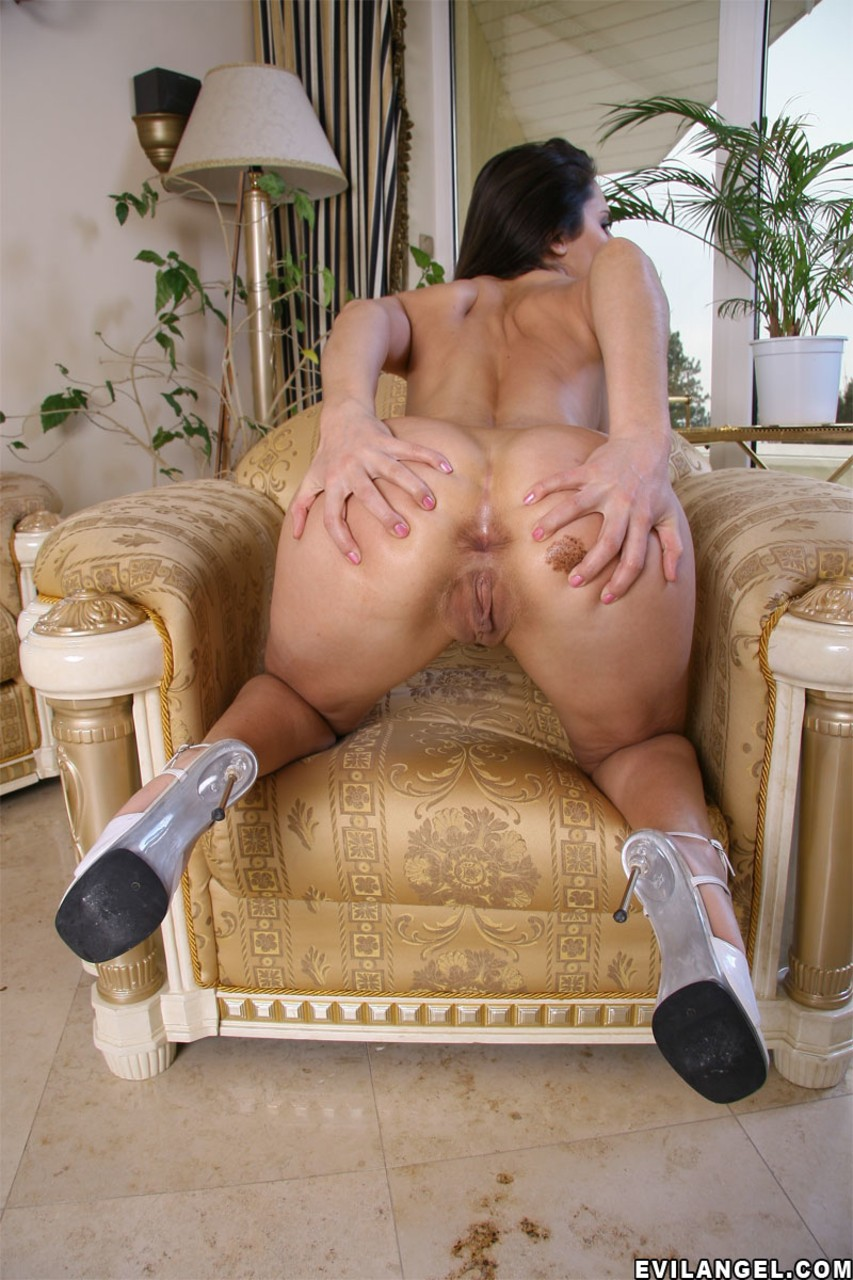 Hot and elegant ladies Linda Brown and Kyra Black owned in each hole of bodies