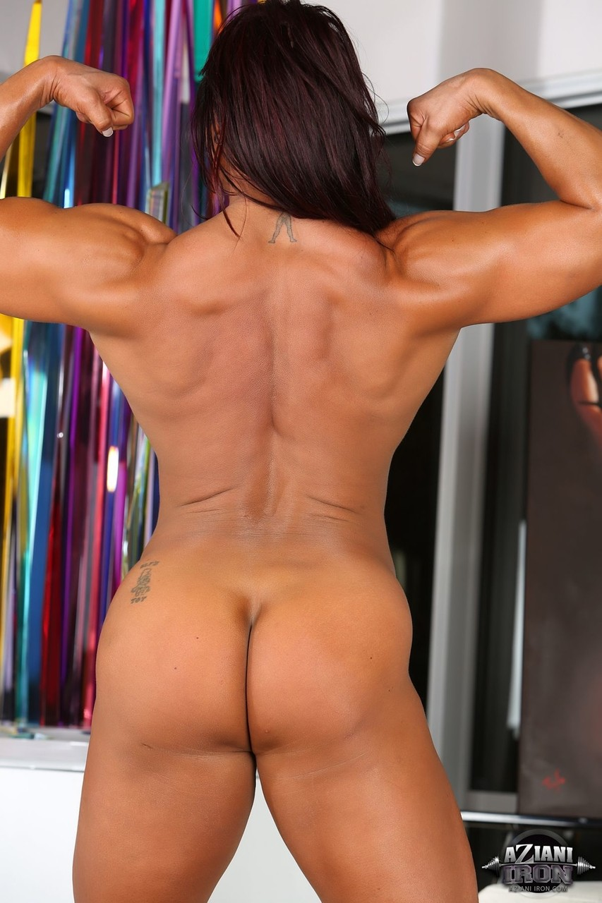 Amber Deluca Muscle