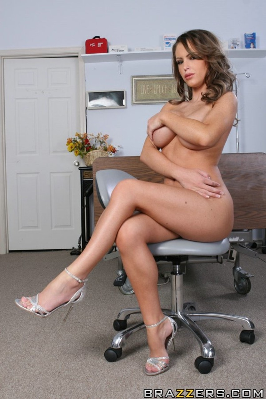 Beautiful big boobed MILF Jenna Presley rubbing her pussy in doctors office