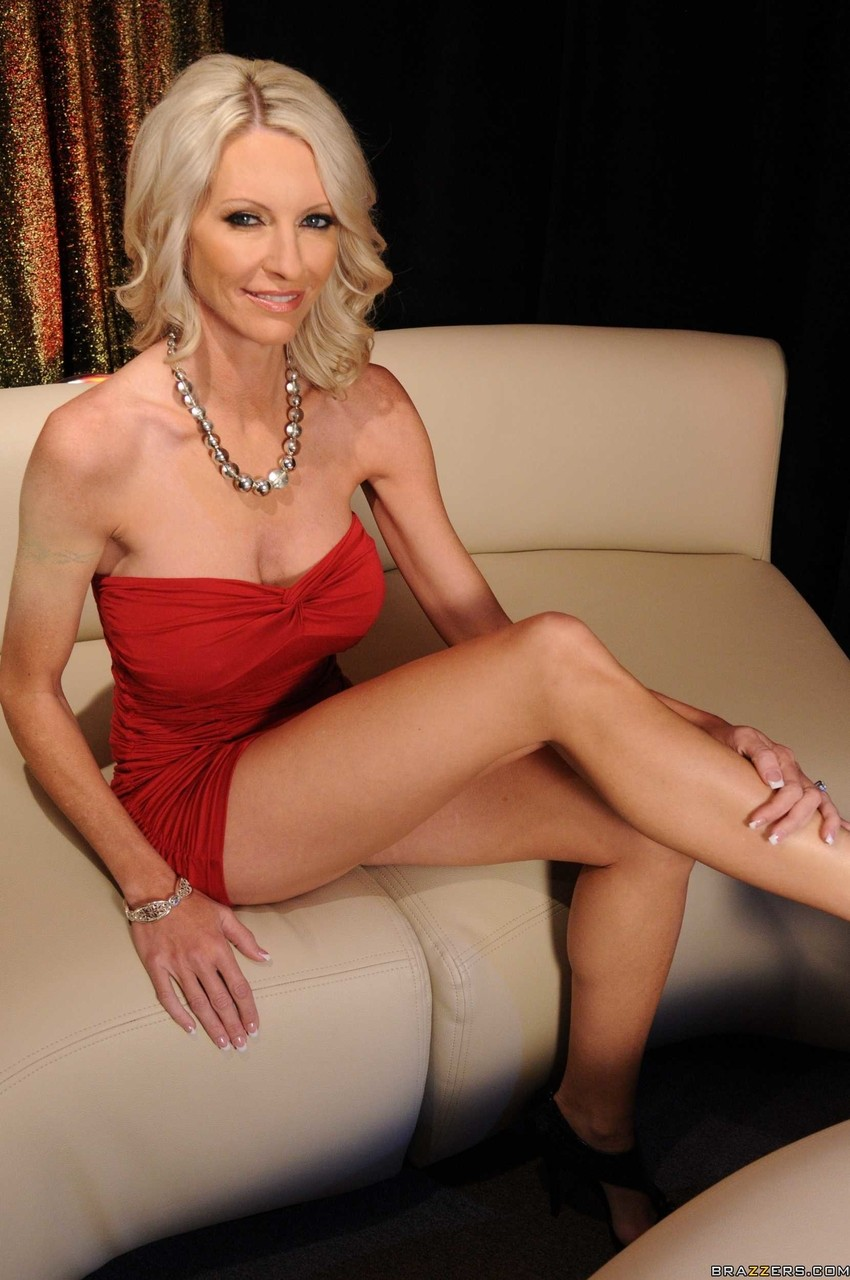 You have nude mom mature blonde right!
