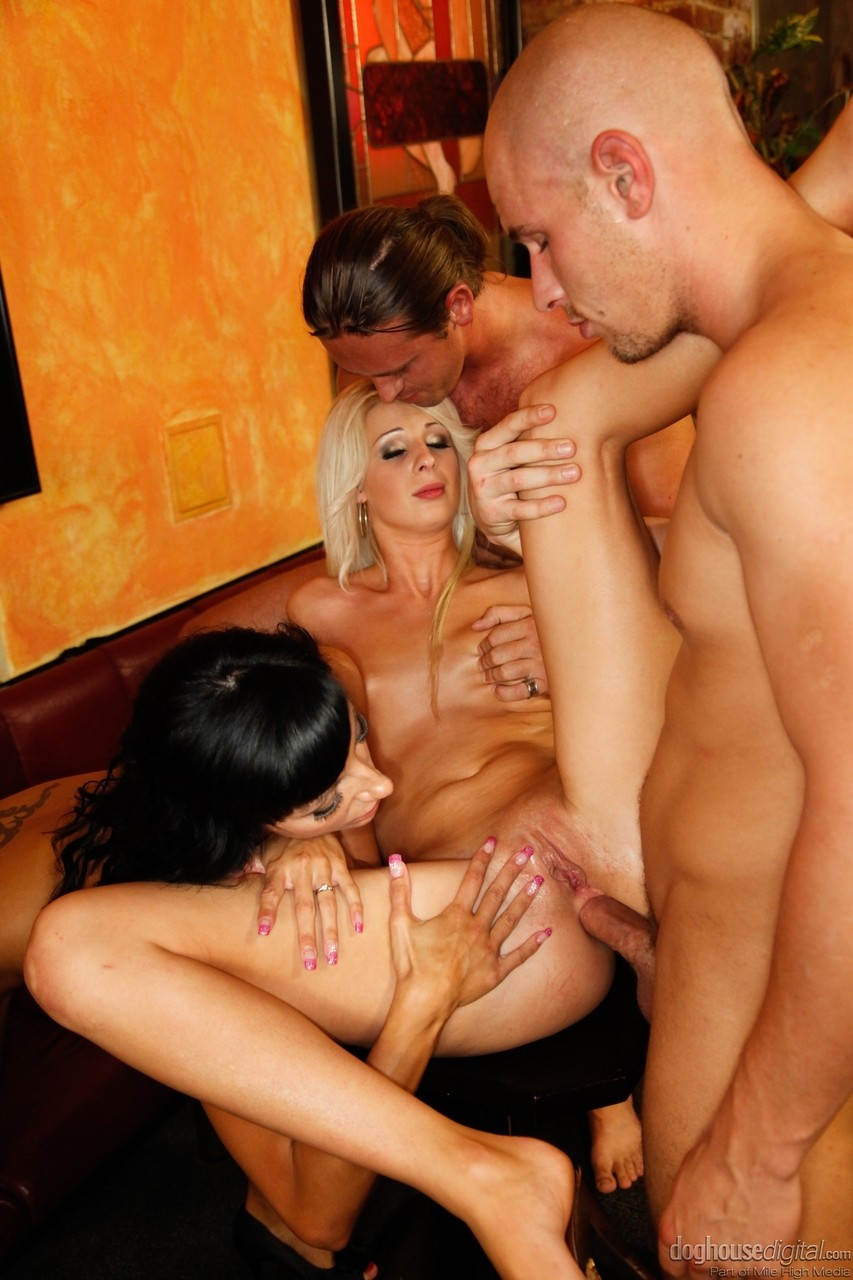 ... Three hot models engage in kinky orgy for double penetration & cum  eating ...