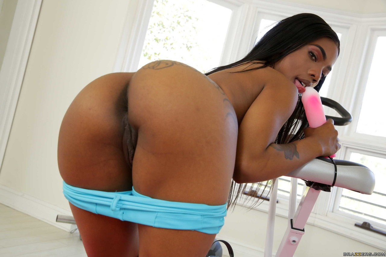 Bubble Butt Ebony Fucked