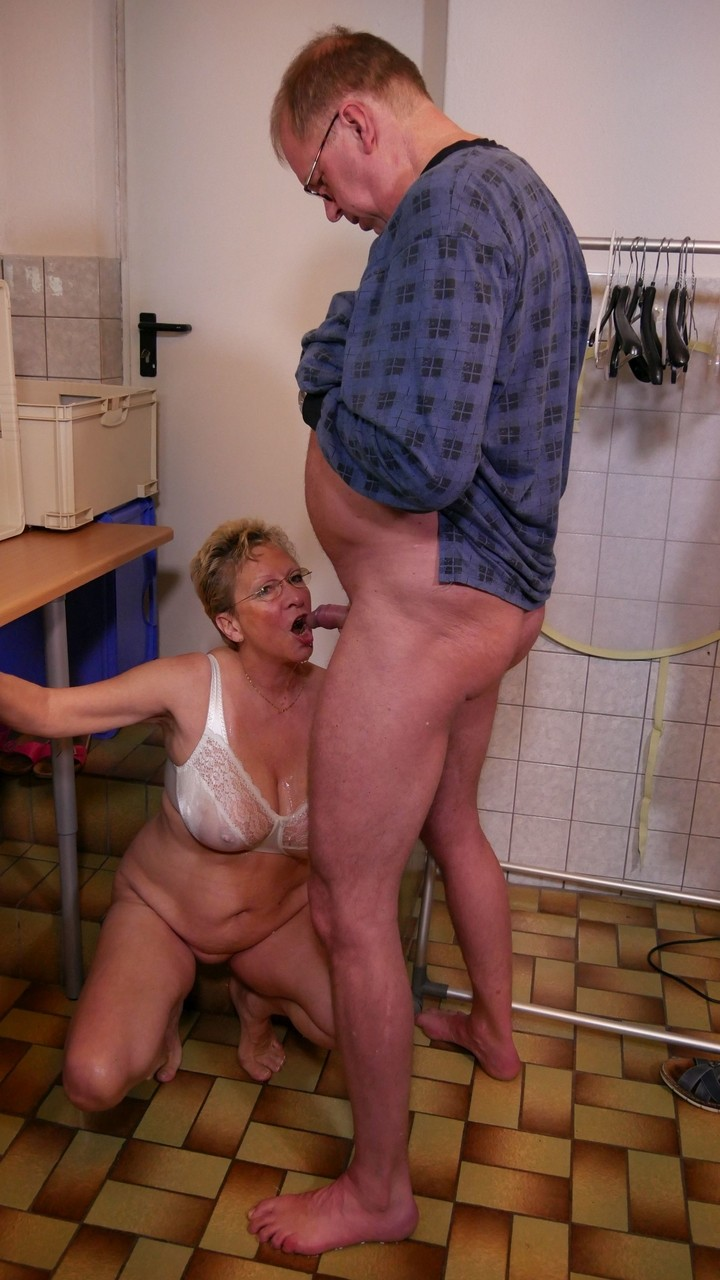 Older Couple Lick Pussy