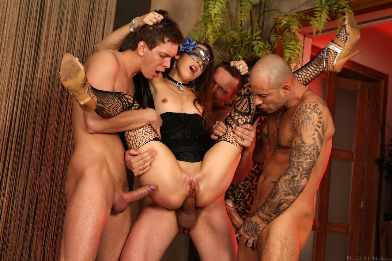 Scene porn pics, blow job and tight little pussy