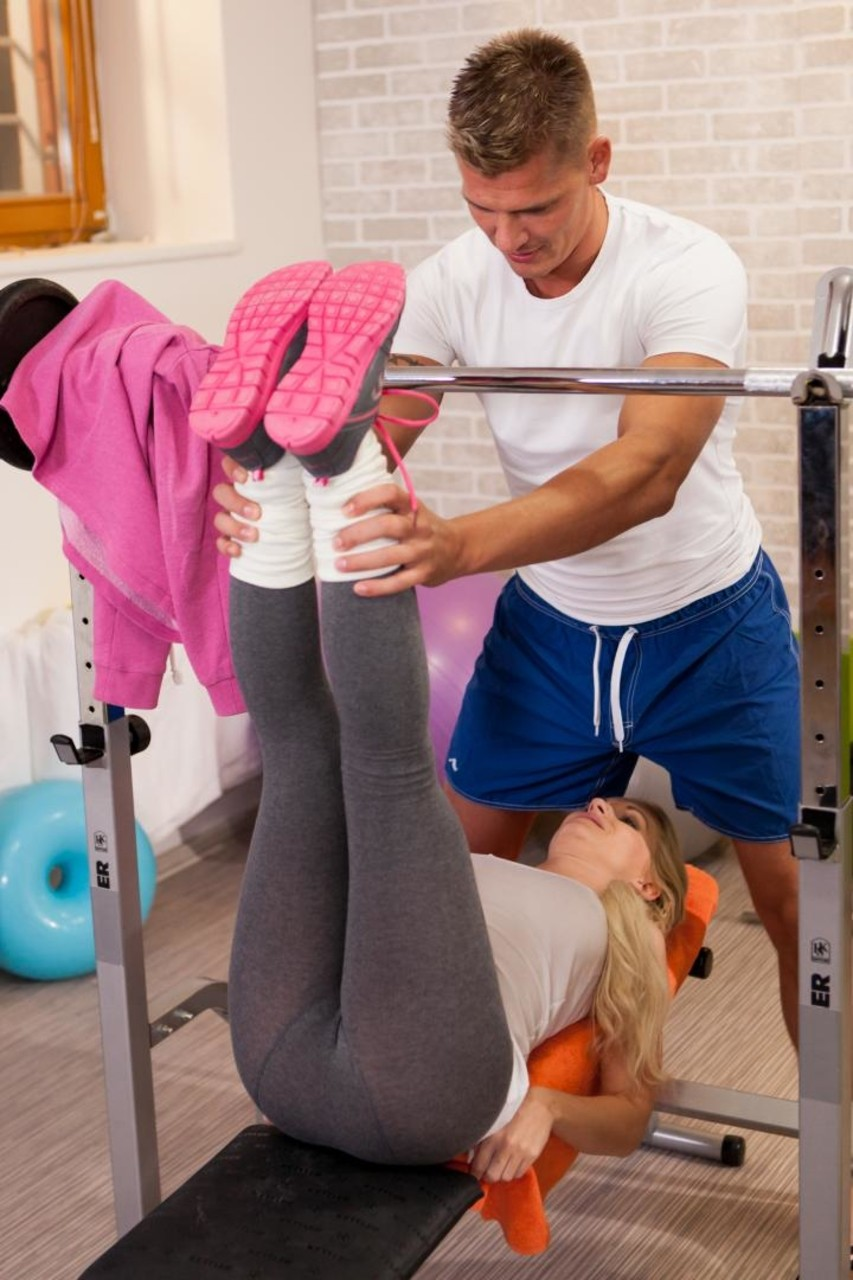 Comely blonde Rossella Visconti seduced in the gym  has petite ass creamed