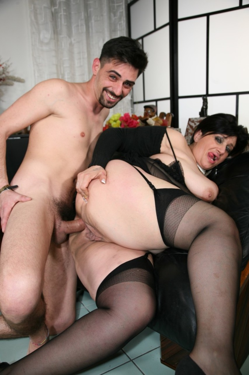 Bbw gets it in both holes