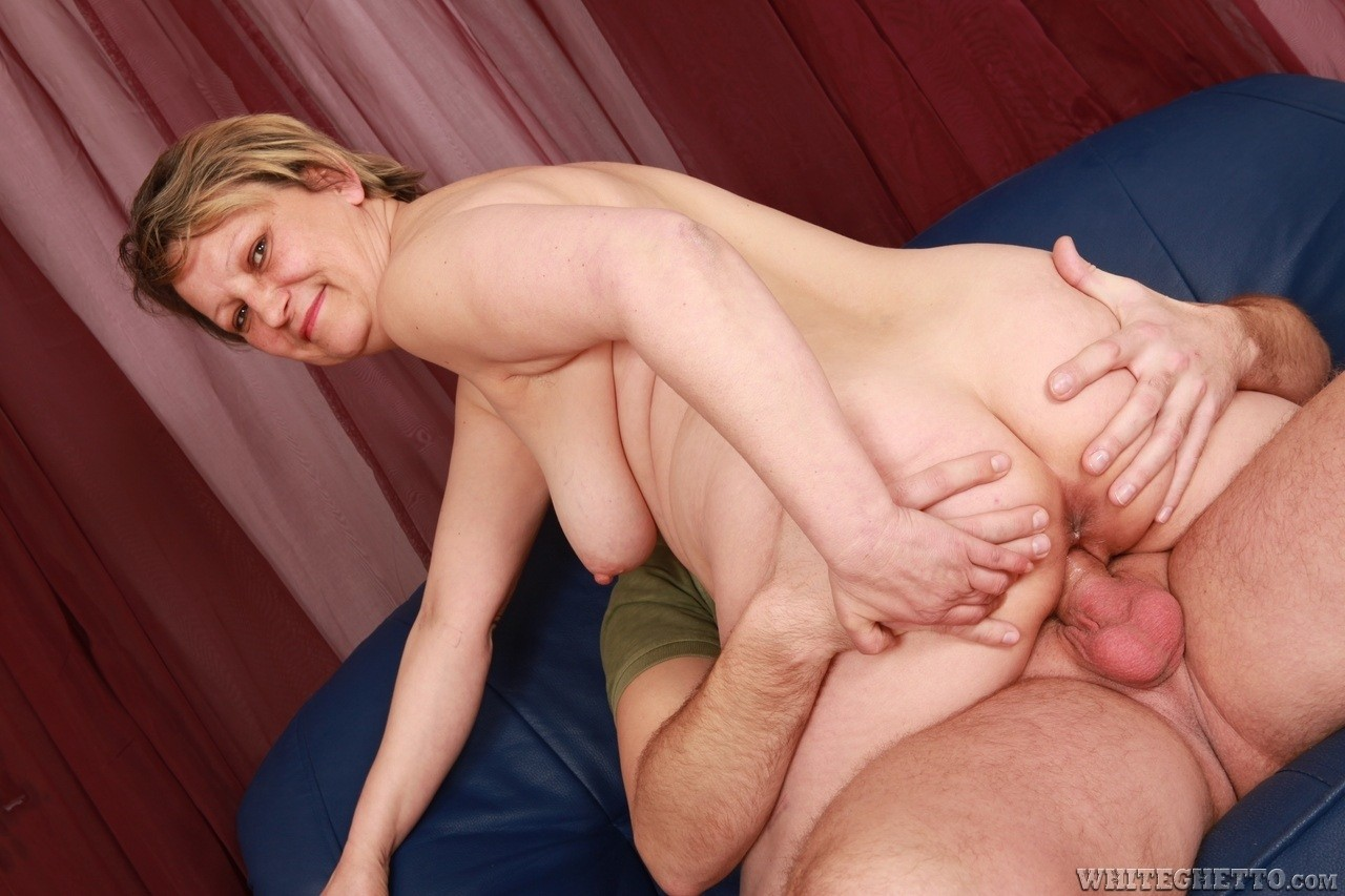Hot Young Wife Creampie