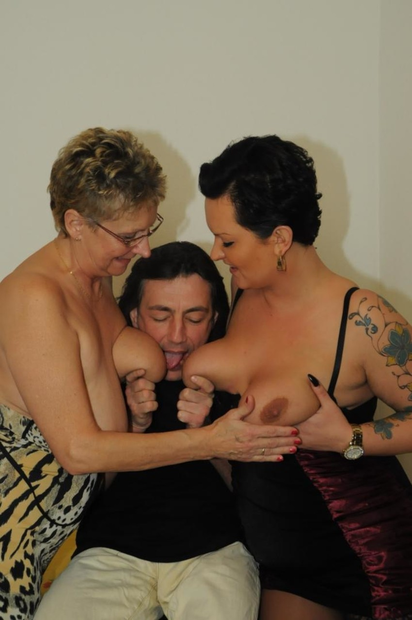 Big Natural Mature Threesome