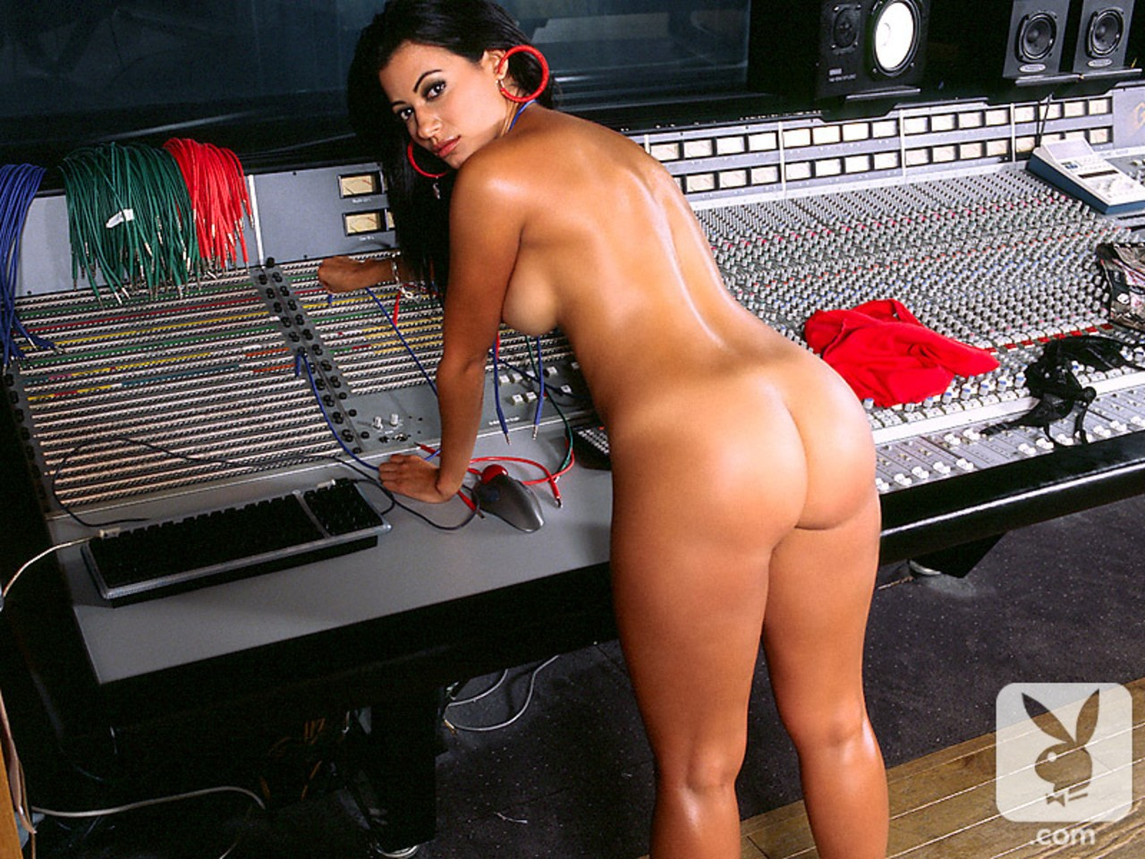 Stunning hottie in fishnets Alejandra Lares getting naked in the music studio