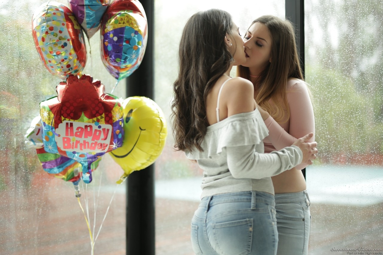 Naghty lesbians Stella Cox and Gia Paige kiss and pleasure their tasty cunts